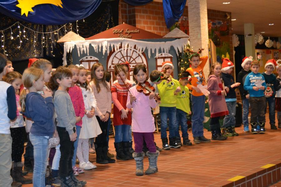 Grundschule Weihnachtsfeier.Grundschule Bernberg Weihnachtsfeier